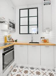 Kitchen Design For Small Apartment by Small Apartment Kitchens Houzz