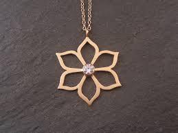 dansk smykkedesign eksklusive designer smykker i guld sølv dansk smykkedesign