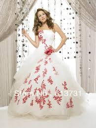 christmas wedding dresses 15 beautiful christmas wedding gowns