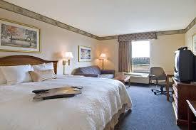 Comfort Inn And Suites Atlanta Airport Hotel Hampton Atlanta Airport N Ga Booking Com