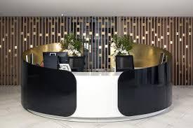 pour le de bureau réalisation d une banque d accueil en solid surface v korr la