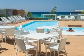 noleggio auto porto cesareo hotel le dune suite con piscina sul mare a porto cesareo su