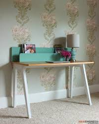 How To Build A Small Computer Desk by Remodelaholic The Lindsay Desk A Simple Modern Desk With A
