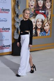 Bad Mothers In Photos Mila Kunis Kristen Bell Attend U0027a Bad Moms Christmas
