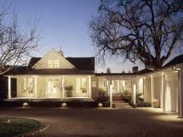 modern farmhouse image courtesy of craig caulfield farm house