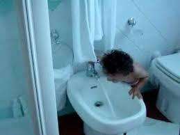How To Use Bidet Toilet How To Use A Bidet Youtube