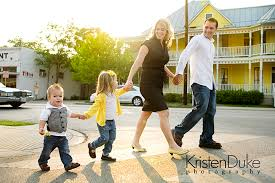 family picture pose ideas with 2 children capturing with