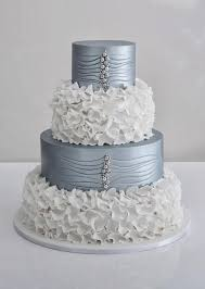 silver wedding cakes 10 metallic wedding cakes for the holidays weddings illustrated