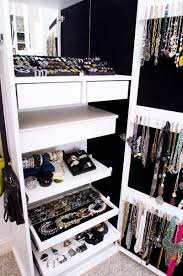 organize your wardrobe for winter pur style