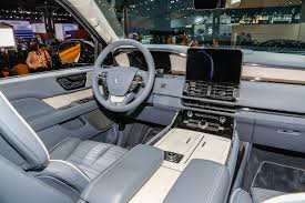 lincoln 2017 inside meet lincoln u0027s new navigator the luxury suv king is back