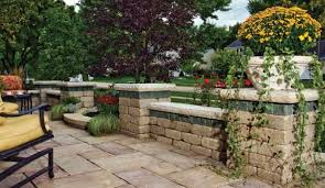 Unilock Retaining Wall Brussels Dimensional Wall System Retaining Walls Garden Walls Ma