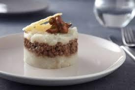 cuisiner les topinambours a la poele recette de velouté de topinambours au foie gras poêlé facile et rapide