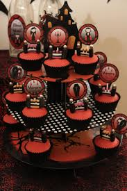 Cakes Halloween by Halloween Dessert Table Vampire Party U2014 Chic Party Ideas