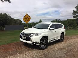 mitsubishi pajero sport 2017 mitsubishi pajero sport gls reviews our opinion goauto