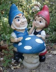 cute gnomeo u0026 juliet shroom statue 39 99 garden fun