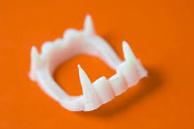 image of fancy dress teeth creepyhalloweenimages