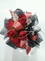 Corsages And Boutonnieres For Prom 14 Best Corsages Images On Pinterest Prom Flowers Rose Corsage