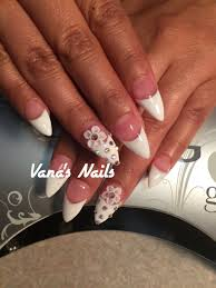 french stiletto acrylic nail art design with 3d flowers diseño de