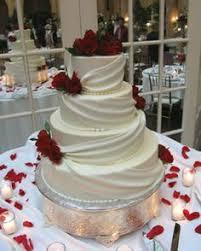 beautiful december wedding cake briar patch weddings