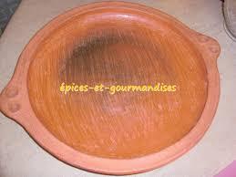 cuisiner avec un tajine en terre cuite quel tajine utiliser pour la cuisson des kessras épices et
