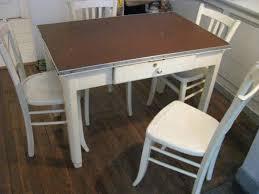 table de cuisine avec tiroir table de cuisine et 4 chaises retro