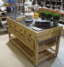 ilot central cuisine bois meuble de cuisine en bois massif ilot central 182x80x88 5cm