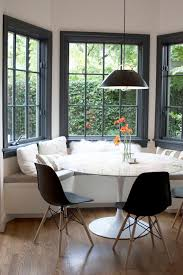 Kitchen Table With Booth Seating by Best 25 Modern Kitchen Tables Ideas On Pinterest Tulip Table