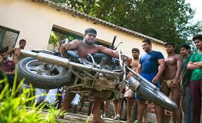 desa dengan pria pria berotot kekar di india asola fatehpur beri