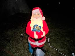 Lighted Outdoor Christmas Displays by How To Secure Lighted Plastic Figures In Your Outdoor Christmas