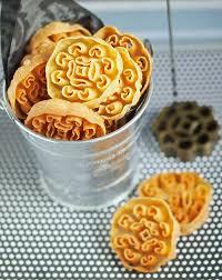 honeycomb ribbon ribbon and circus kueh a k a honeycomb cookies
