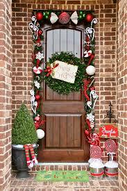 door decorations for christmas 35 front door christmas decorating ideas