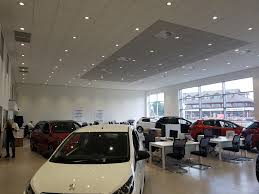 peugeot car showroom robins u0026 day peugeot manchester barlows