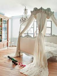 Rooms To Go Princess Bed Best 25 Victorian Bed Ideas On Pinterest Victorian Bed Frames