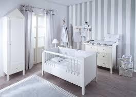 kinderzimmer grau weiß jungen babyzimmer cool babyzimmer junge wandgestaltung inspiration