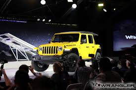 2018 jeep wrangler interior fully revealed jlwf u0027s live coverage of jl wrangler reveal photos videos info