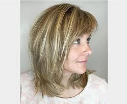 modele de coupe de cheveux mi modele coupe cheveux mi longs degrades faits saillants et le moyen