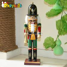 2016 wholesale baby wooden figurines nutcracker popular wooden