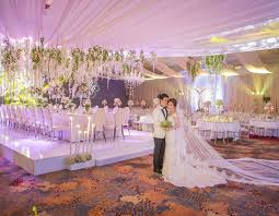 wedding backdrop manila wedding by makati shangri la hotel bridestory