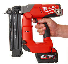 milwaukee m18cn18gs 502x cordless nail gun 18g straight nailer