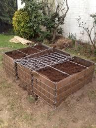 Building Raised Beds Fraeulein Trudes Kochversuche Gardening Building A Raised Bed
