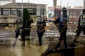 america u0027s buses lose riders imperiling their future wsj