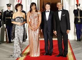 obama dresses obama stuns in atelier versace dress versace gown