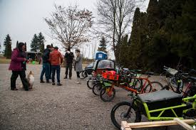 spruce wants bicycle u2013 a christmas tree bikeride u2013 bakfiets family