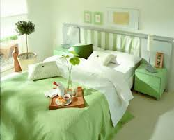 Small Bedroom Colors by Bed Ideas Soft Lighting And Wood Classic Bed Furniture In Small