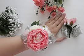 wrist corsage ideas gala accessories charming diy wrist corsages