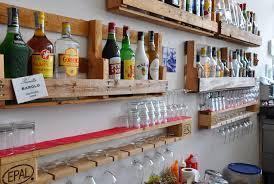 appendi bicchieri bar complementi mobili in pallet
