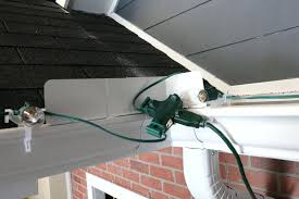 how to install christmas lights how to hang christmas lights on roof if you have a roof that work