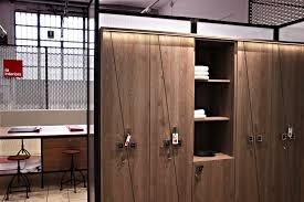 armadietti spogliatoio legno fit interiors arredamento palestre spa piscine hotel ospedali