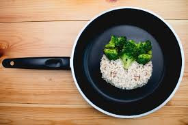 quelles sont les meilleures poeles pour cuisiner choisir des ustensiles de cuisine sains 1 2 le bio