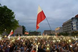 polish opposition calls for unity as thousands march against anti